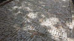 pierre à Pernes les fontaines